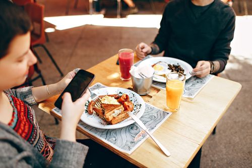 澳洲打工度假要存錢少吃外食